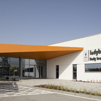 Al Shirawi Interiors celebrates Ladybird Early Learning Centre's award win